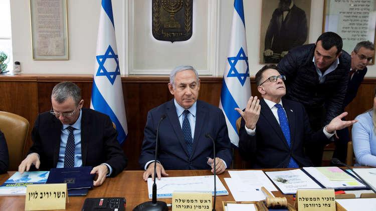 إسرائيل بصدد خصم رواتب منفذي العمليات من أموال السلطة الفلسطينية