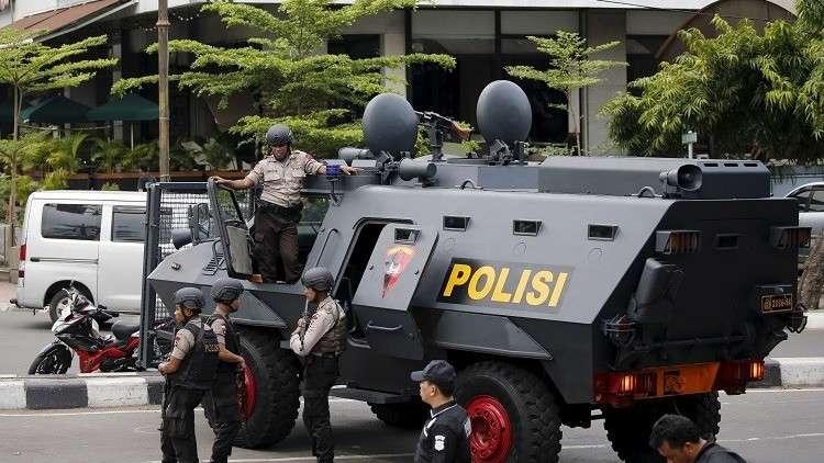الشرطة الإندونيسية تعتذر عن استخدام ضباط ثعبانا خلال التحقيق مع مشتبه به