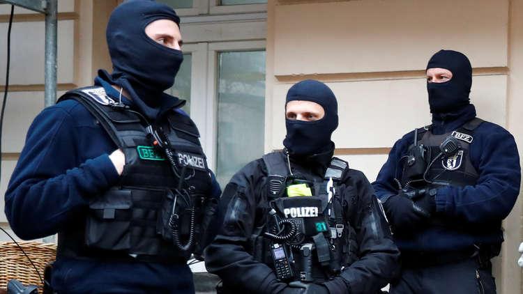 ألمانيا تعتقل عنصرين من المخابرات السورية للاشتباه بارتكابهما جرائم ضد الإنسانية