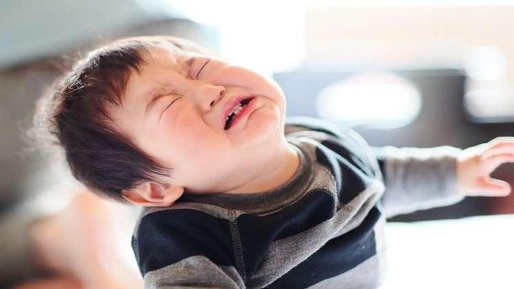 لماذا يبكي الأطفال على متن الطائرة؟