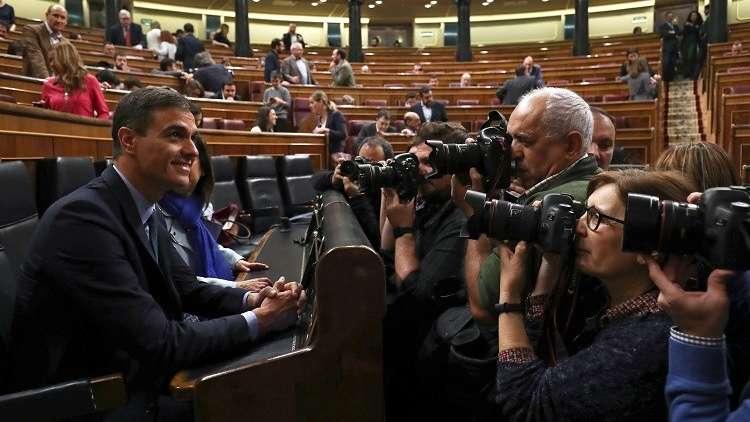 رئيس الوزراء الإسباني بيدرو سانشيز خلال جلسة لبرلمان بلاده