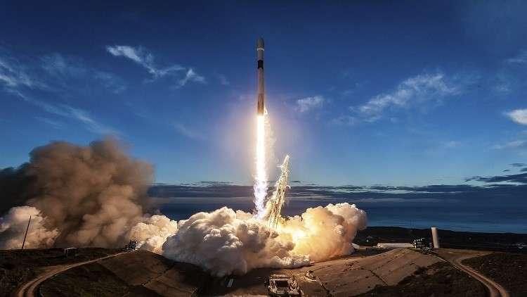 إطلاق صاروخ النقل فالكون 9