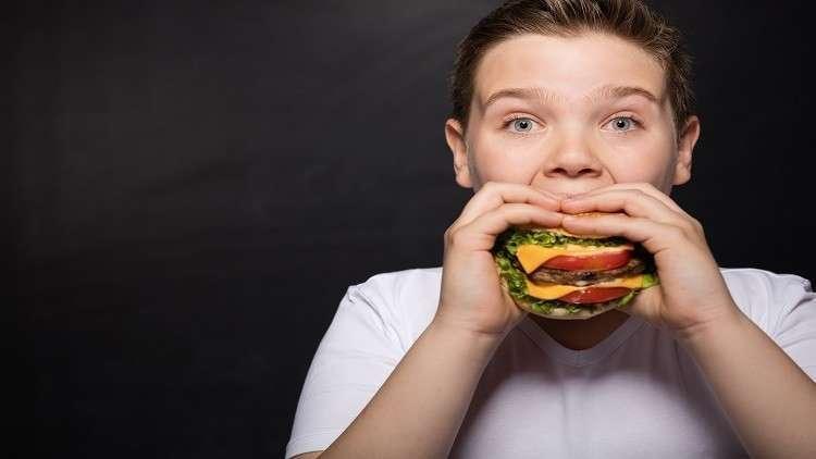 خطر الإصابة بالسمنة يبدأ من الرحم