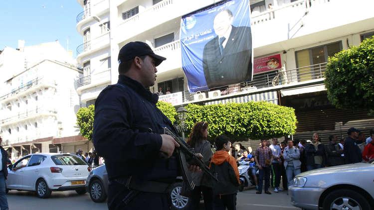 انتشار أمني مكثف في العاصمة الجزائرية تحسبا لمظاهرات ضد