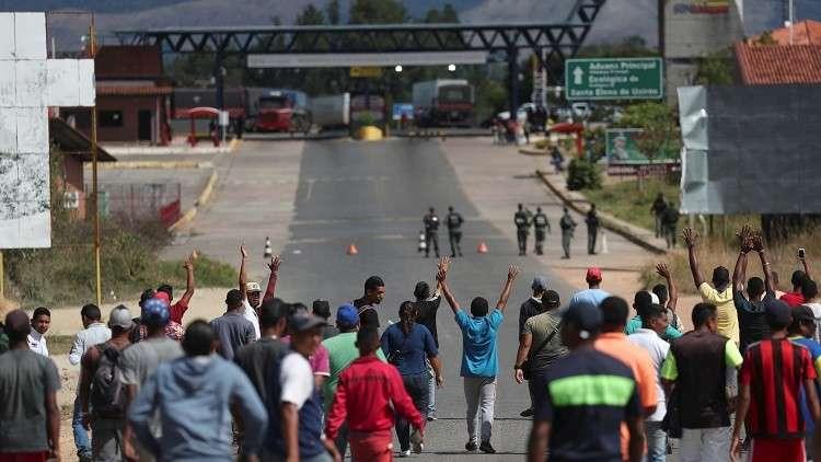 برلماني فنزويلي: قتيلان في اشتباكات على الحدود والمحتجون يحتجزون جنرالا
