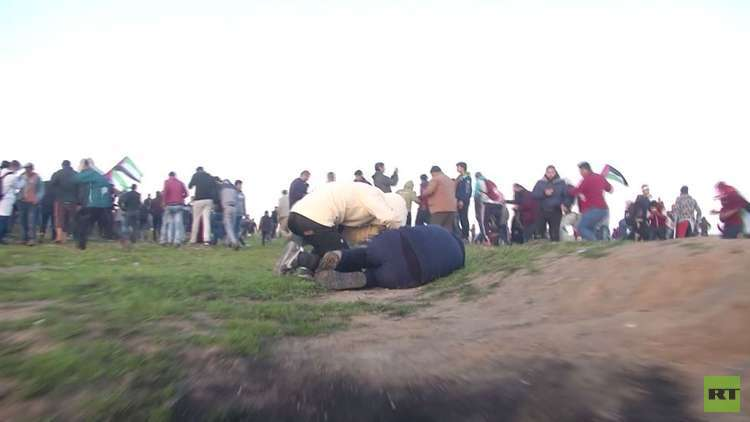 مقتل طفل وإصابة العشرات في مسيرات غزة