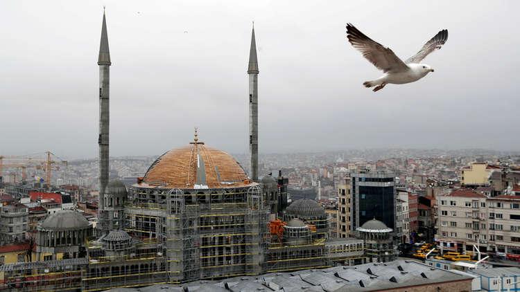 ساحة تقسيم في اسطنبول