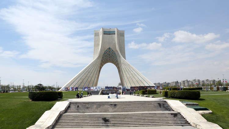 إيران تفرج عن معتقلة فرنسية