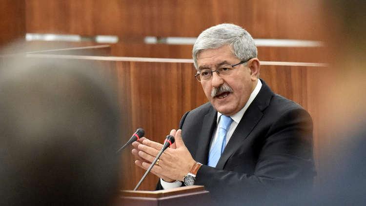 رئيس وزراء الجزائر: التجمهر السلمي حق للشعب لكن أطرافا مجهولة تحاول إشعال فتيل الفتنة