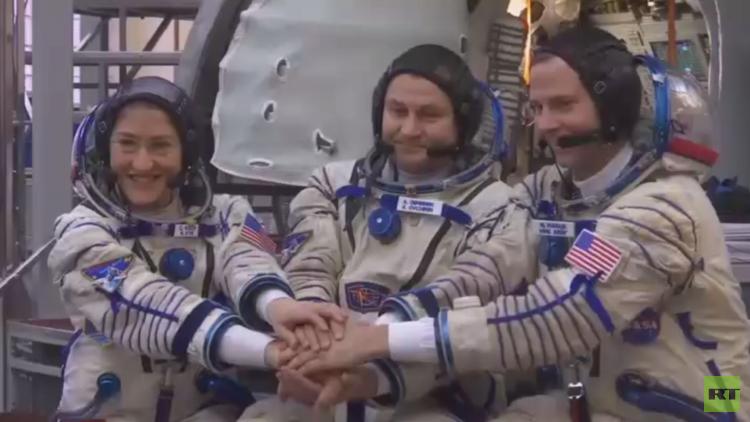 بعثة المحطة الفضائية تتوجه إلى بايكونور