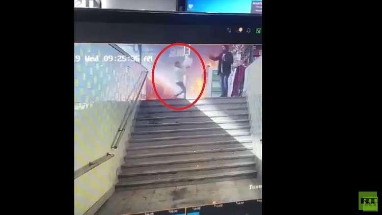 عمل بطولي لشاب مصري أنقذ 4 أشخاص في حادث محطة السكك الحديدية (صور)