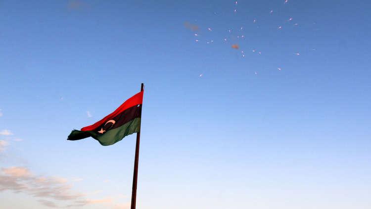 السراج وحفتر يؤكدان من أبو ظبي ضرورة إجراء الانتخابات في ليبيا