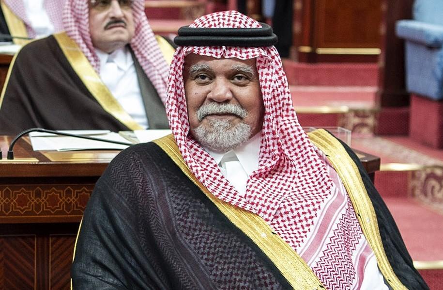 بندر بن سلطان: هددنا بإرسال سربين من مقاتلاتنا لوقف