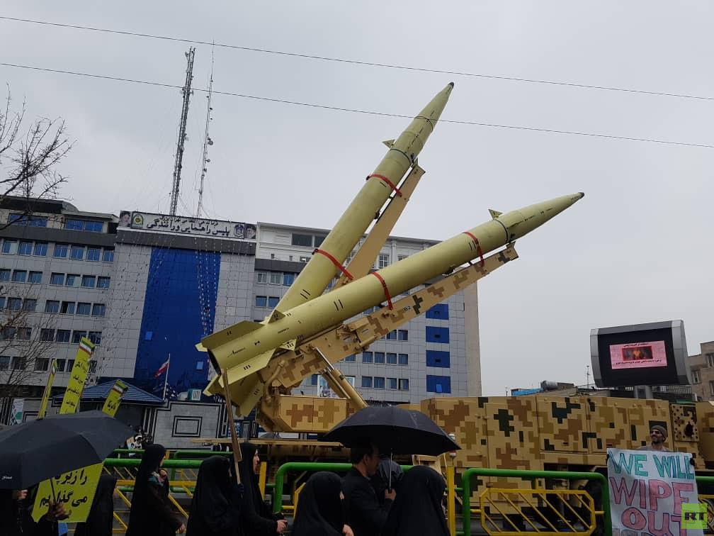 الحرس الثوري يعرض صواريخ باليستية بمناسبة ذكرى الثورة الإسلامية