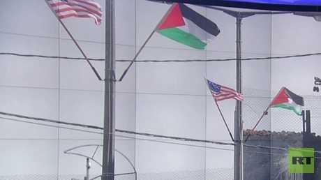 خبراء: وقف المساعدات للضغط على فلسطين