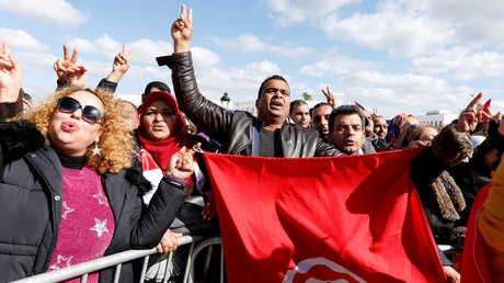 تونس.. اتفاق بين الحكومة واتحاد الشغل سينهي الإضراب
