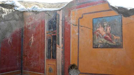 اللوحة الجدارية للصياد الأسطوري نركسوس
