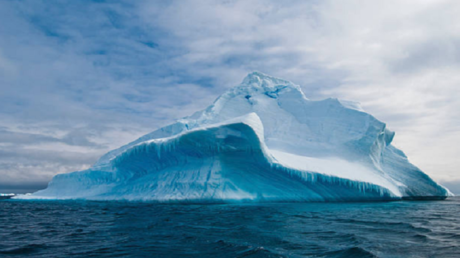 جبل جليدي هائل ينفصل عن القطب الجنوبي!