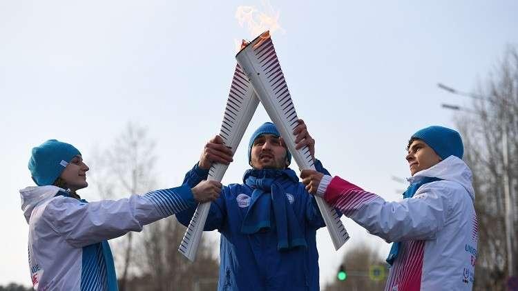 شعلة الألعاب الجامعية الشتوية 2019 تصل لمحطتها الأخيرة في مدينة كراسنويارسك الروسية (فيديو)