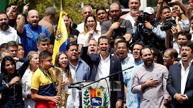 غوايدو بعد عودته لفنزويلا يدعو أنصاره لمظاهرات حاشدة