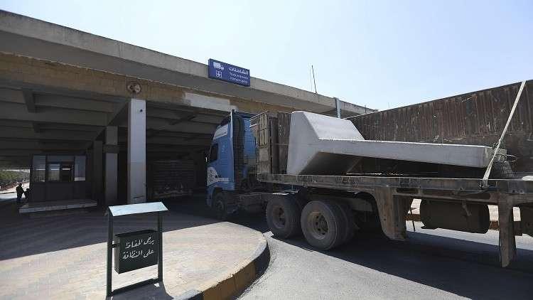 شاحنة تركية تعبر الحدود مع سوريا - أرشيف