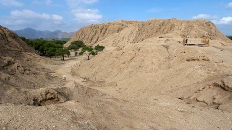 كشف غموض مقابر جماعية لمئات الأطفال والحيوانات في بيرو