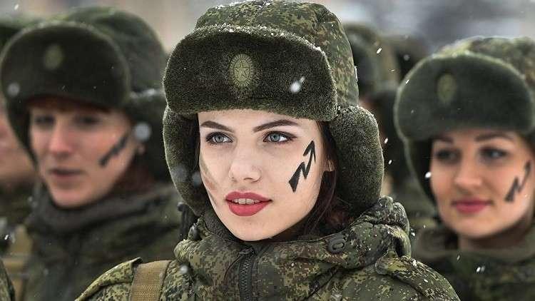 40 ألف حسناء روسية يخدمن في القوات المسلحة بعضهن في مناصب هامة