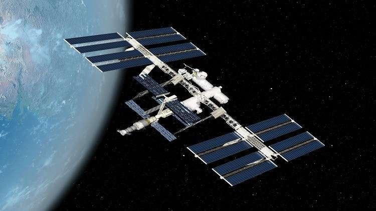 سحب غريبة من الفضاء تشعل نظريات المؤامرة