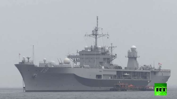 سفينة حربية أمريكية تصل مانيلا بعد إبحارها في بحر الصين الجنوبي