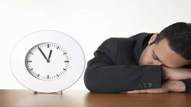 في يوم النوم العالمي.. دعوات للسماح للموظفين بالنوم في أماكن العمل