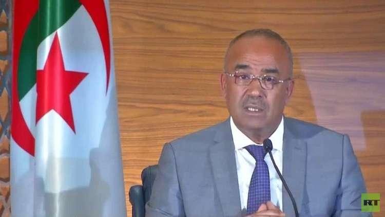 الجزائر.. رئيس الوزراء المكلف يبدأ محادثات تشكيل الحكومة