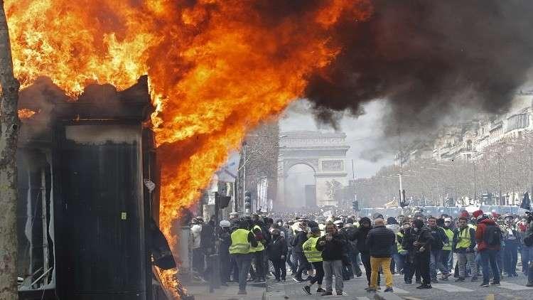 باريس تقر بثغرات أمنية سهّلت أعمال نهب السبت