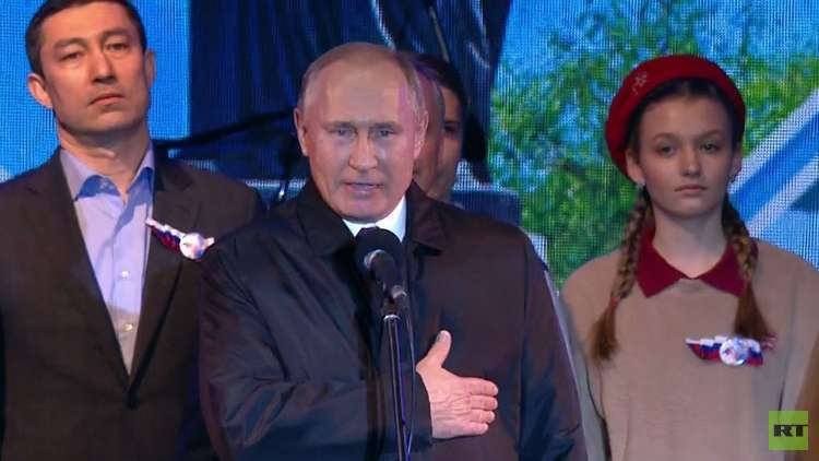 بوتين يهنئ سكان القرم بالذكرى الخامسة للعودة إلى الحضن الروسي