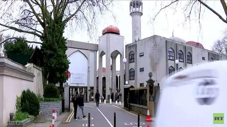 بحث صلة بين هجوم المسجدين ويمين بريطانيا