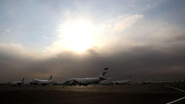 اشتعال النيران في طائرة بمطار طهران