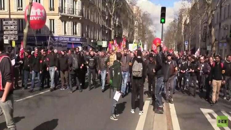 نقابات فرنسية تنفذ إضرابا عاما بالبلاد