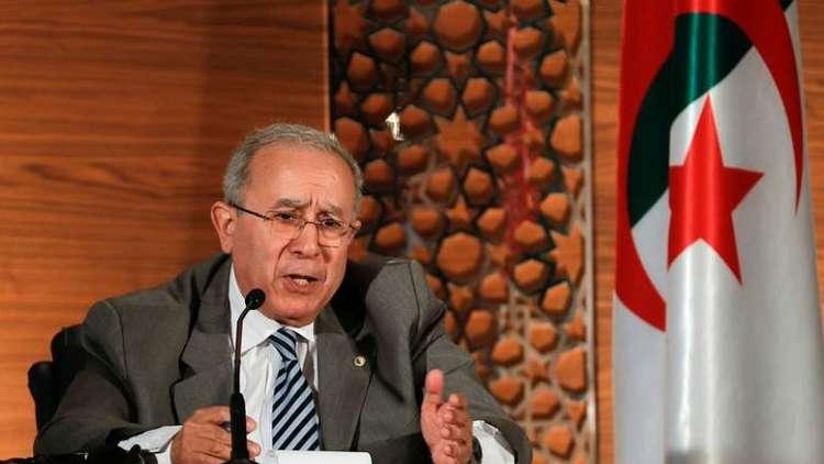 لعمامرة: بوتفليقة سيسلم السلطة لرئيس ينتخبه الشعب