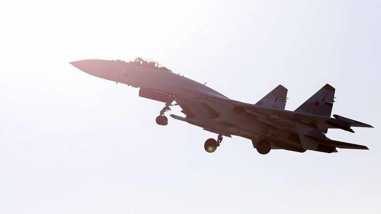 الدفاع الروسية تنشر فيديو لتدريبات طياريها في أجواء سوريا
