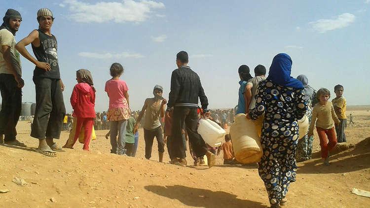 الدفاع الروسية: أكثر من 360 نازحا سوريا خرجوا من مخيم الركبان ودخلوا إلى أراضي سيطرة الحكومة
