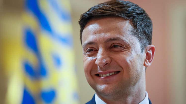 المرشح الأوفر حظا لانتخابات رئاسة أوكرانيا يوضح