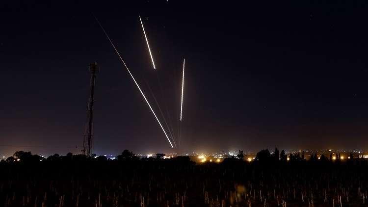 الطيران الإسرائيلي يقصف موقع الشرقية التابع للفصائل الفلسطينية شرق مدينة خانيونس