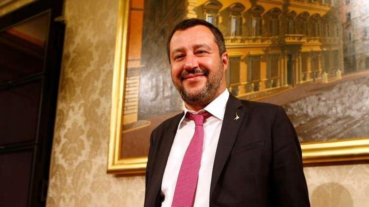 وزير الداخلية الإيطالي يمنح الجنسية للفتى المصري رامي