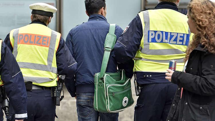 لأول مرة منذ تدفق اللاجئين.. ألمانيا ترحل لاجئا سوريا إلى وطنه
