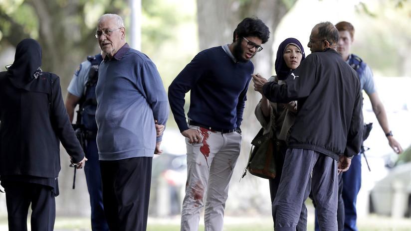 نيوزيلندا  : ارهابي استرالي يقوم باقتحام مسجد في بسلاح رشاش والضحايا اكثر من 50 شهيداً