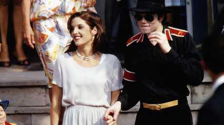 مايكل جاكسون وزوجته ليزا ماري بريسلي