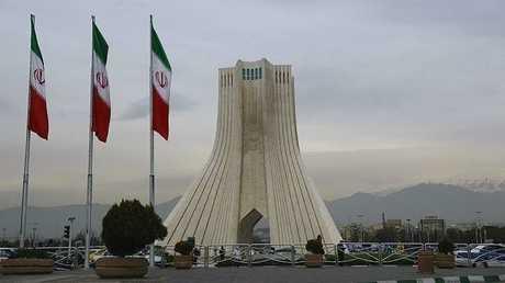 ميدان آزادي وسط العاصمة الإيرانية طهران