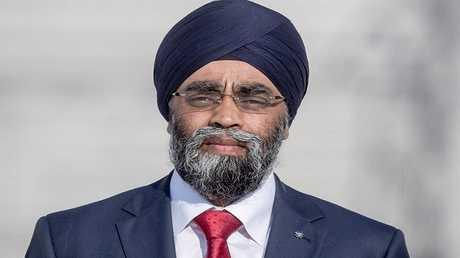 وزير الدفاع الكندي هارجيت ساجان