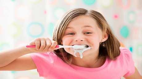 حقائق وأساطير خاطئة شائعة عن الأسنان!