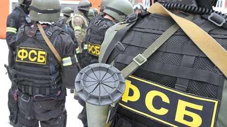 اكتشاف وكر بالأسلحة لجماعة إجرامية في ضواحي موسكو