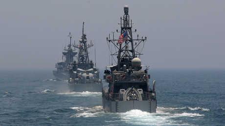 سفن حربية أمريكية خلال تدريبات في الخليج